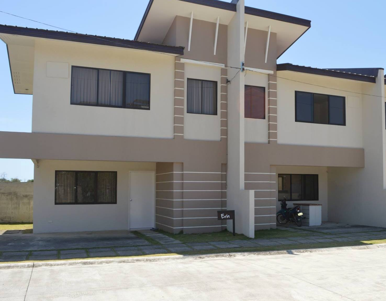 Mactan plains erin model 2storey duplex type cebu for Duplex building prices