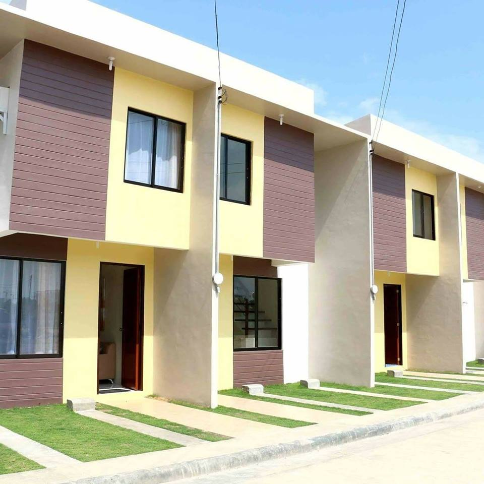 Cheap Townhouses: Sunberry Homes2 Affordable Townhouse For Sale Basak Lapu