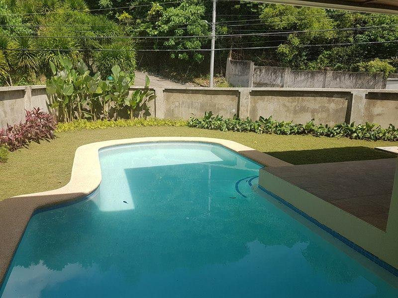 4bedrooms Bungalow House For Sale Maria Luisa Banilad Cebu City